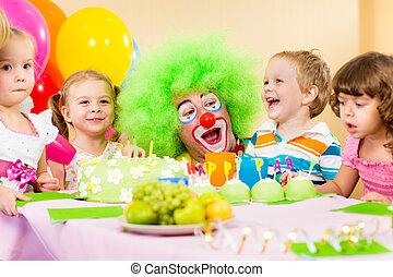 celebrando, aniversário, crianças, palhaço, partido
