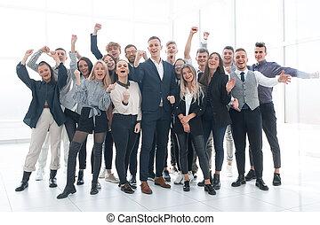celebrar, personas empresa, feliz, joven, juntos, grupo