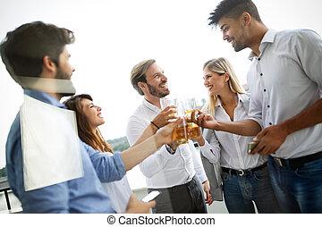 celebrating, бизнес, шампанское, люди, счастливый, команда, офис
