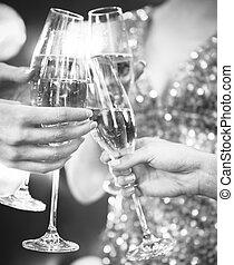 celebration., gens, tenir verres, de, champagne, confection, pain grillé
