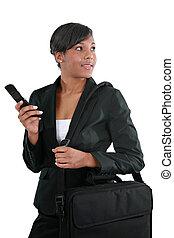 cellphone, amerykanka, afrykanin, młody, kobieta interesu