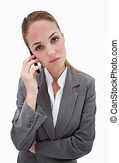 cellphone, elle, regarder, employé, percé, banque