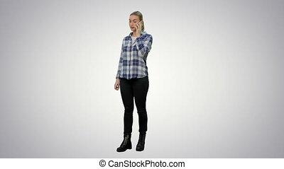 cellphone, femme, arrière-plan., commérages, jeune, conversation, via, blanc, désinvolte