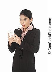 cellphone, kobieta handlowa, patrząc, asian, niespodzianka