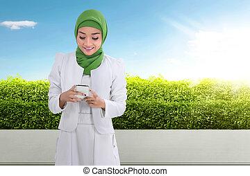 cellphone, kobieta, muslim, asian, ładny, używając