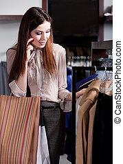 cellphone, parler, choisir, magasin, vêtements