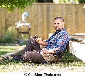cellphone, volle länge, hölzern, text, rahmen, zimmermann,...