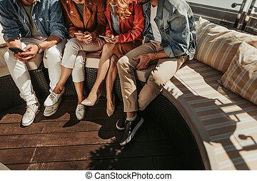 cellphones, grupp, ung, användande, folk