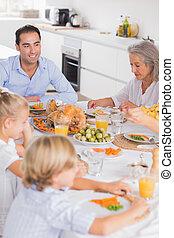 cena, ringraziamento, famiglia mangiando