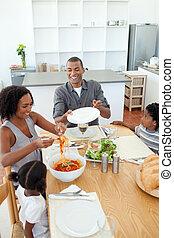 cenando, afro-american, famiglia, insieme