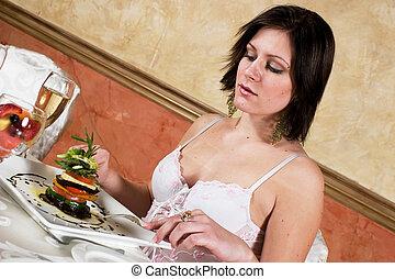 cenando, multa