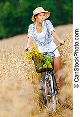 centeio, campo, maçãs, menina, flores, passeios, ciclo