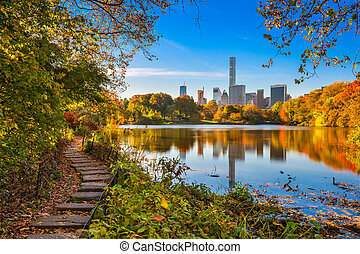 Central Park New York - Central Park during autumn in New ...