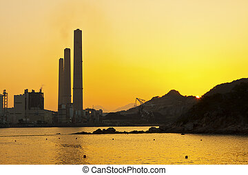 centrale elettrica, lungo, costa, a, tramonto, in, hong kong