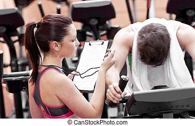 centre, entraîneur, femme, quoique, utilisation, vélo, pedaling, homme, fitness, chronomètre