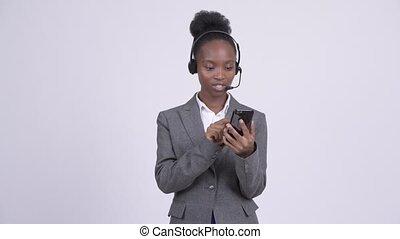 centre, femme affaires, jeune, appel téléphonique, représentant, africaine, utilisation, ennuyé