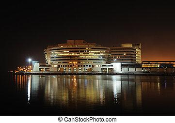 centro comercio mundo, barcelona, noche