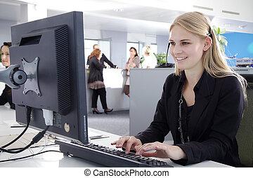 centro de la llamada, agente, mujeres