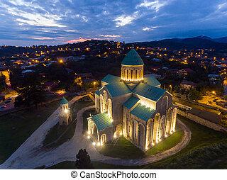 centro, georgia, aéreo, noche, kutaisi, bagrati, catedral, ...