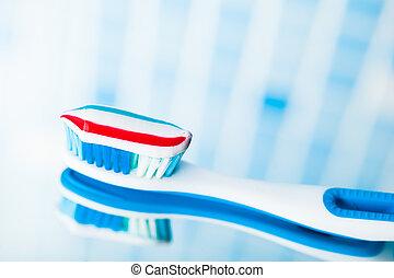 cepillo de dientes, con, raya roja, pasta dentífrica