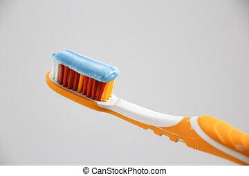 cepillo de dientes, pasta dentífrica