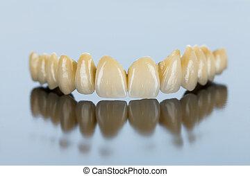 Ceramic teeth - dental bridge