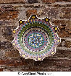 ceramica, ciotola, su, muro pietra