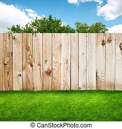 cerca madeira, em, um, grama verde