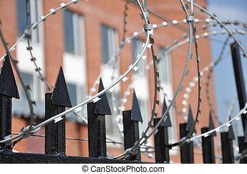 cerca púas alambre, prisión