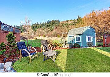 cercado, jarda, com, azul, celeiro, shed.