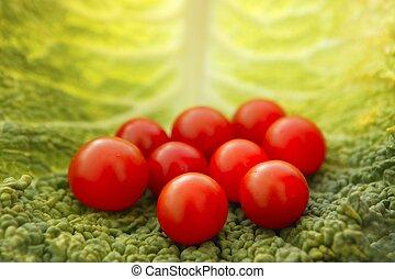 cereza, hoja col, tomates