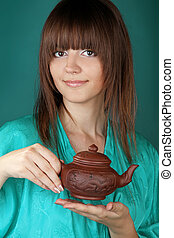 cerimônia chá, com, bonito, mulher jovem, ligado, experiência azul