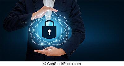 cerradura, en, el, manos, de, un, hombre de negocios, protector, el, protector, to proteger, el, cyberspace.space, entrada, datos, seguridad de datos, empresa / negocio, internet, concept., seguro, información