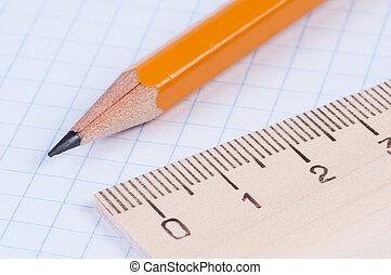 ceruza, vonalzó, closeup.