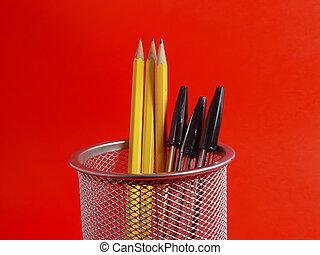 ceruzatartó, 3