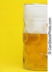 cerveja assalta, ligado, amarela