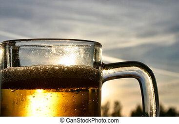 cerveza, cielo, contra