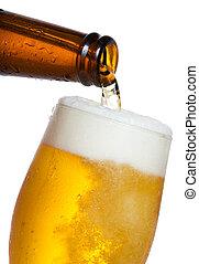 cerveza, el verter, en, vidrio