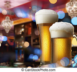 cervezas, en, contador de la barra