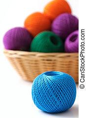 cesta, ofícios, e, cosendo, ligado, um, fundo branco