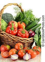 cesta, vime, legumes