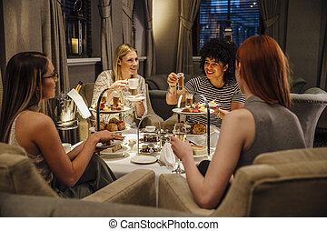 chá, tarde, mulheres