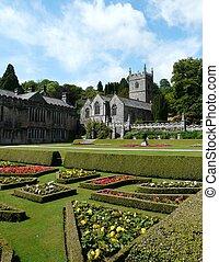 château, lanhydrock, jardins