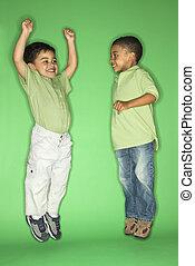 chłopcy, jumping.