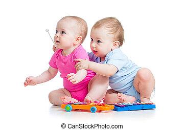 chłopiec, gra, dziewczyna, dzieci, mały, odizolowany, toys., tło, biały, muzyczny