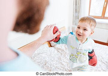 chłopiec, mały, jego, boks, ojciec, rękawiczki, używając, interpretacja