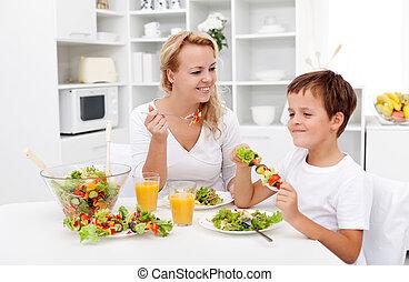 chłopiec, mały, kobieta, zdrowa zagrycha, posiadanie