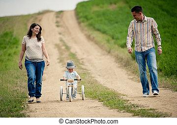 chłopiec, mały, natura, rodzina, trycykl