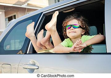 chłopiec, mały, szczęśliwy, wóz, posiedzenie