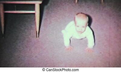 chłopiec niemowlęcia, nauka, do, crawl-1964, 8mm